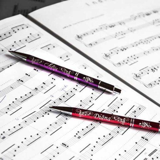 Divas metāla pildspalvas ar gravējumu