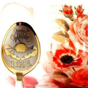 Чайная ложка с гравировкой «Летучая мышь»
