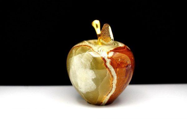 Яблоко из натурального камня оникс 164g.
