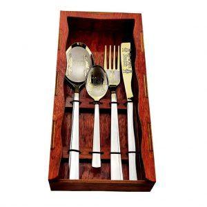 Подарочный комплект из 4-х предметов с гравировкой «Дерево»