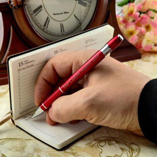 """Pildspalva ar gravējumu """"Model X"""""""