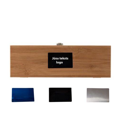 Vīna kaste un piederumi (4 priekš.) ar gravējumu